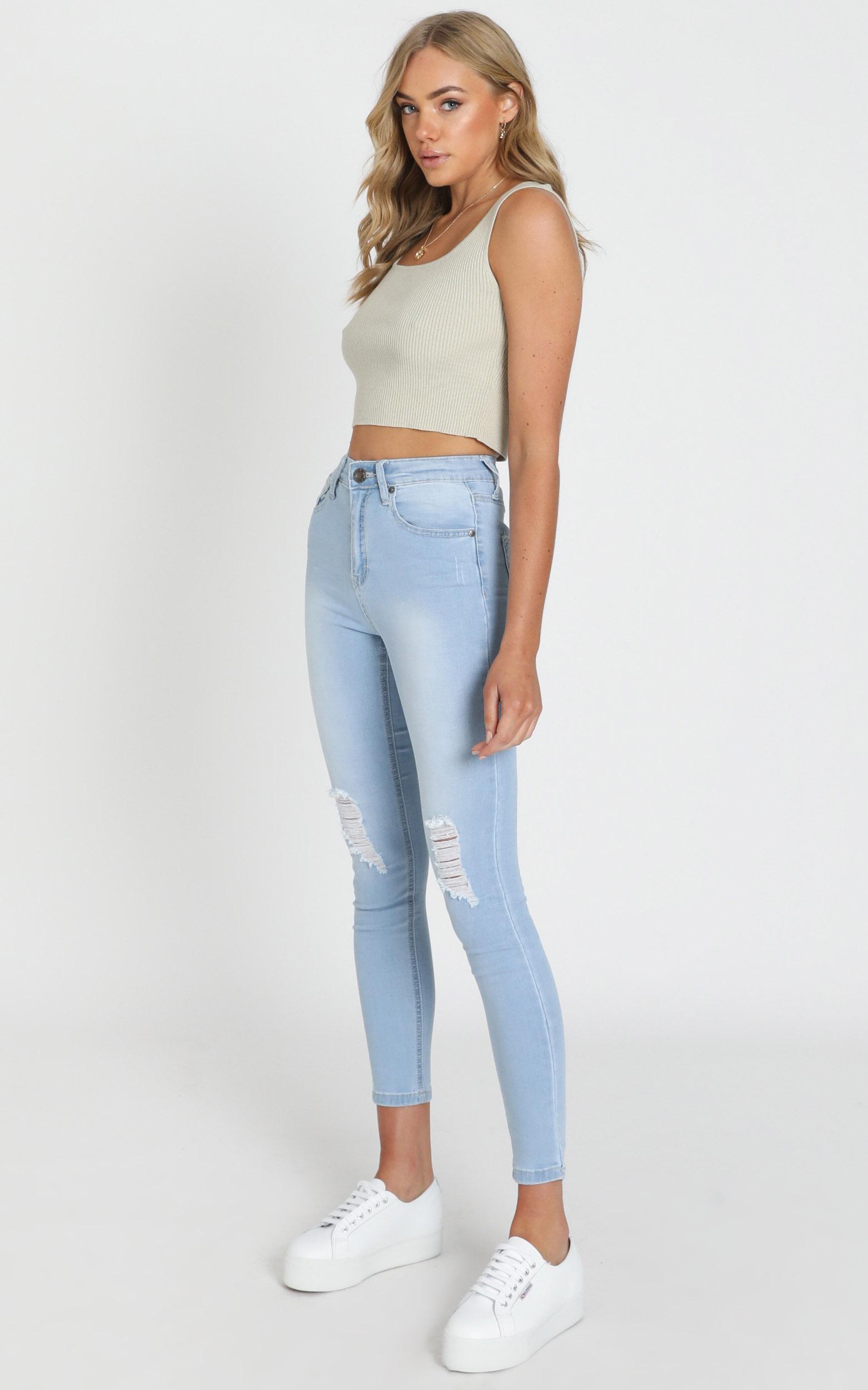 Brooke Skinny Jeans in Light Wash Denim - 20 (XXXXL), Blue, hi-res image number null