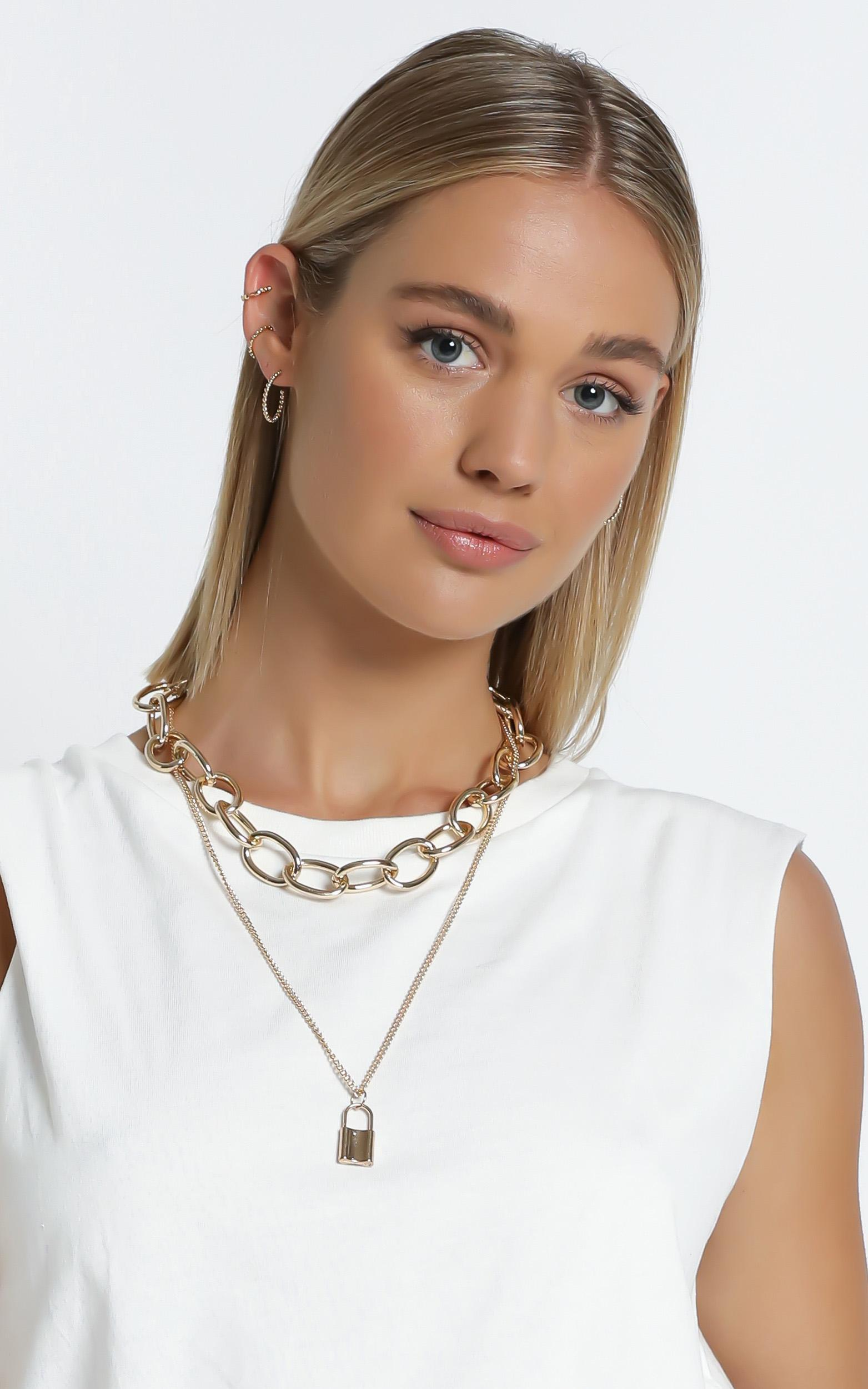 Nikola Necklace in Gold, , hi-res image number null