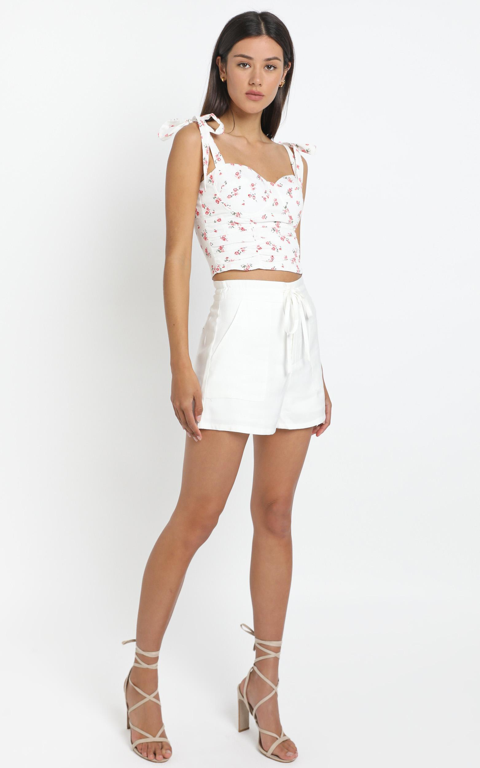 Molina Top in White Floral - 14 (XL), White, hi-res image number null