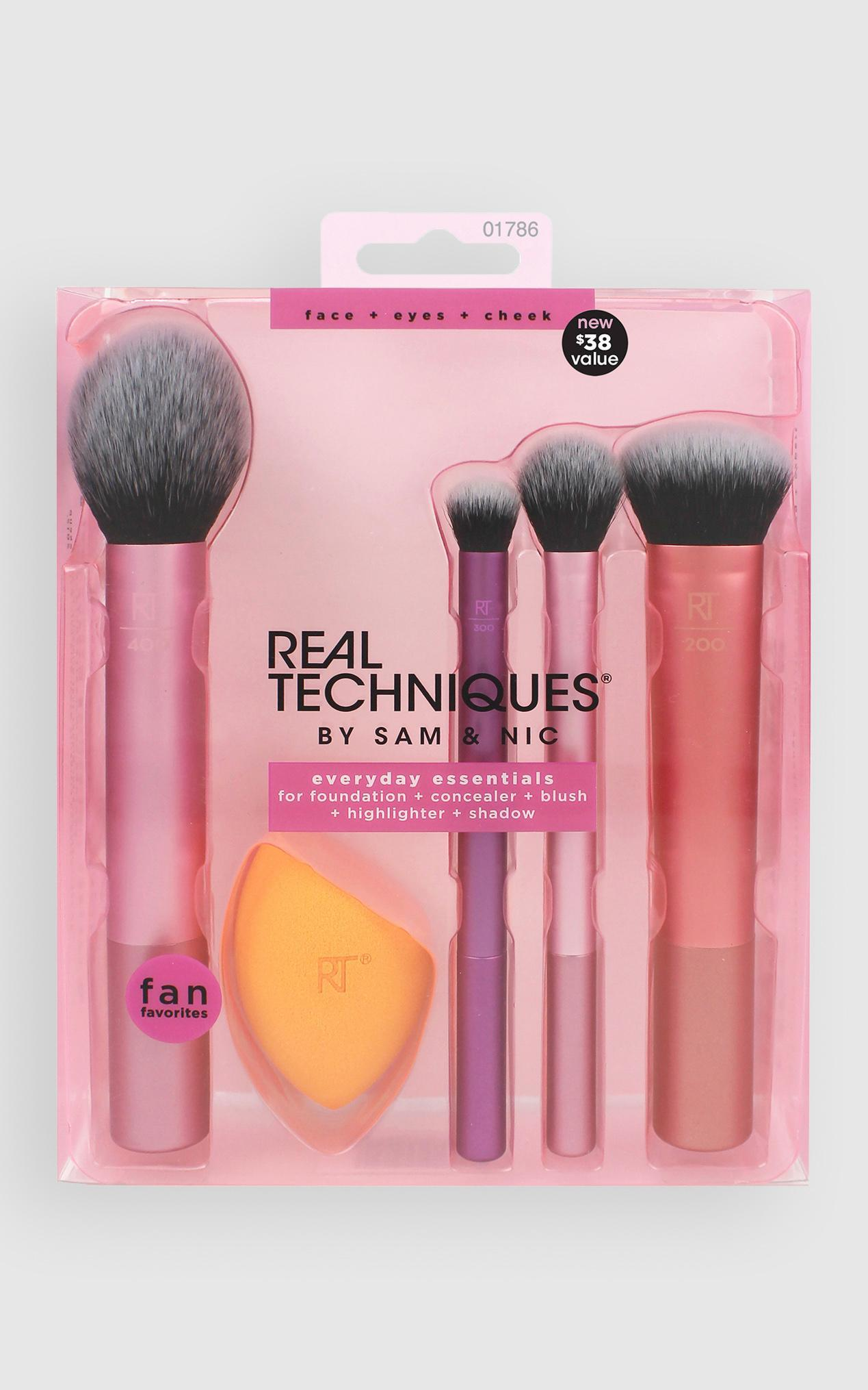 Real Techniques - Everyday Essential Set , , hi-res image number null