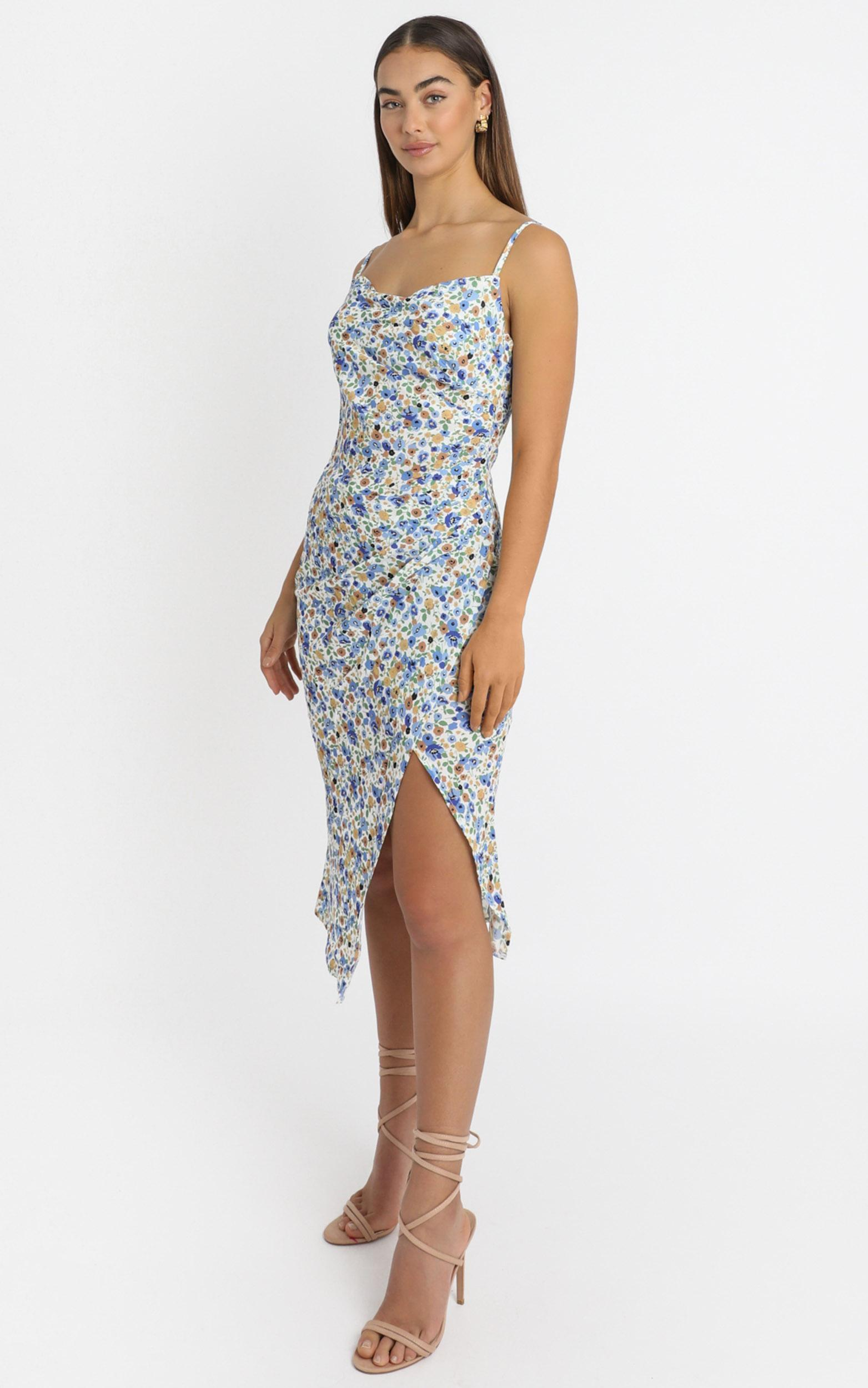 Give Your All dress in blue floral - 16 (XXL), Blue, hi-res image number null