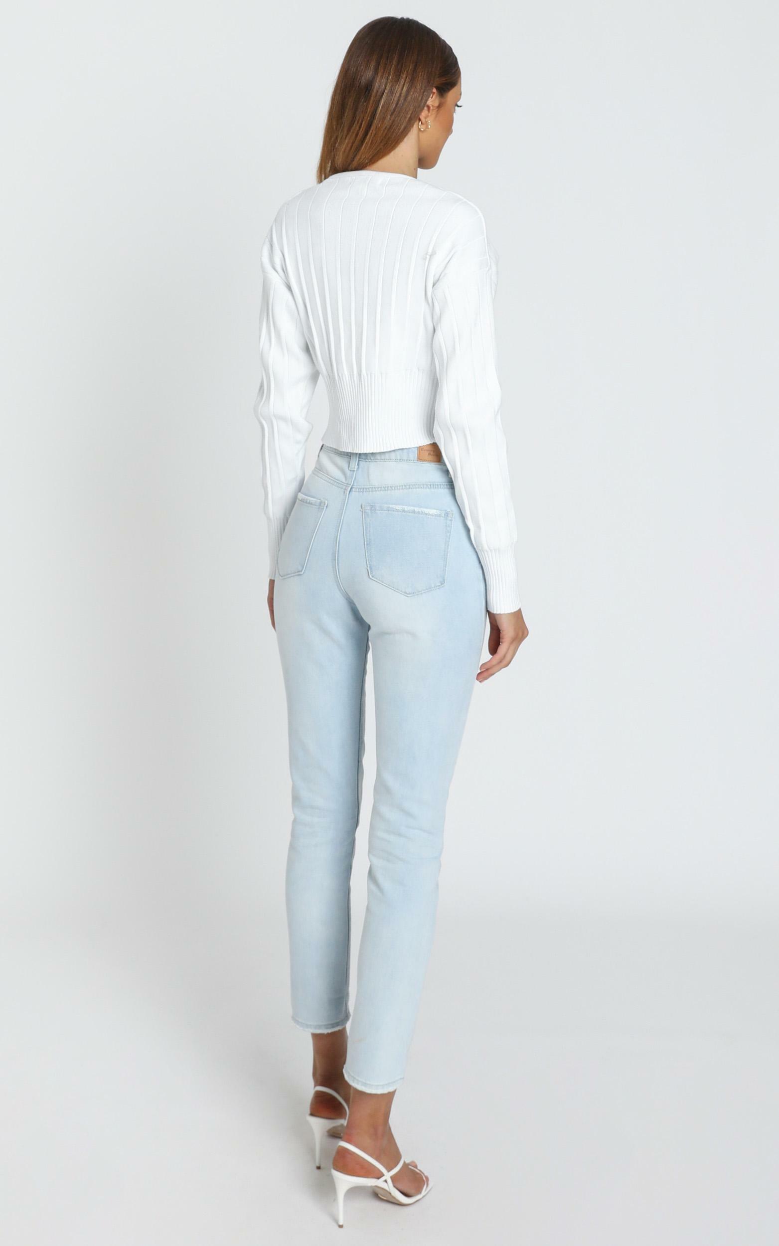 Una Jean in Light Blue Wash - 6 (XS), Blue, hi-res image number null
