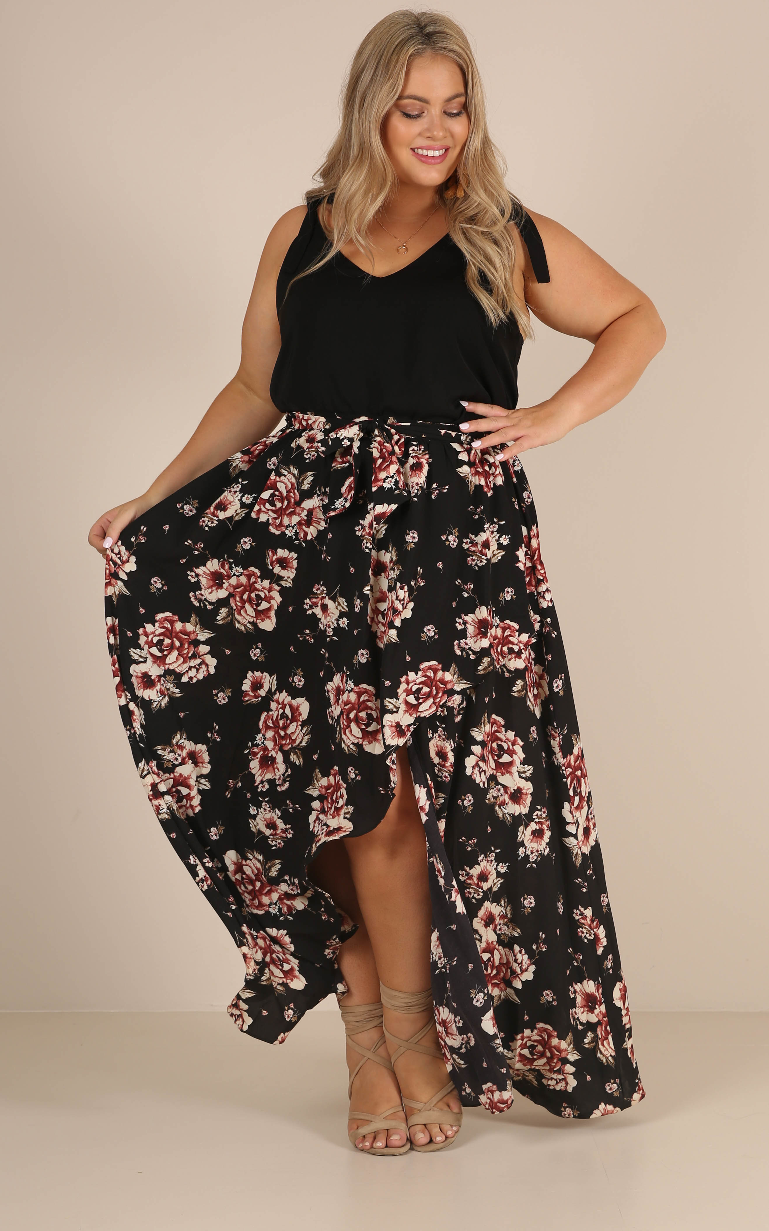 Breath Of Fresh Air maxi skirt in black floral - 20 (XXXXL), Black, hi-res image number null
