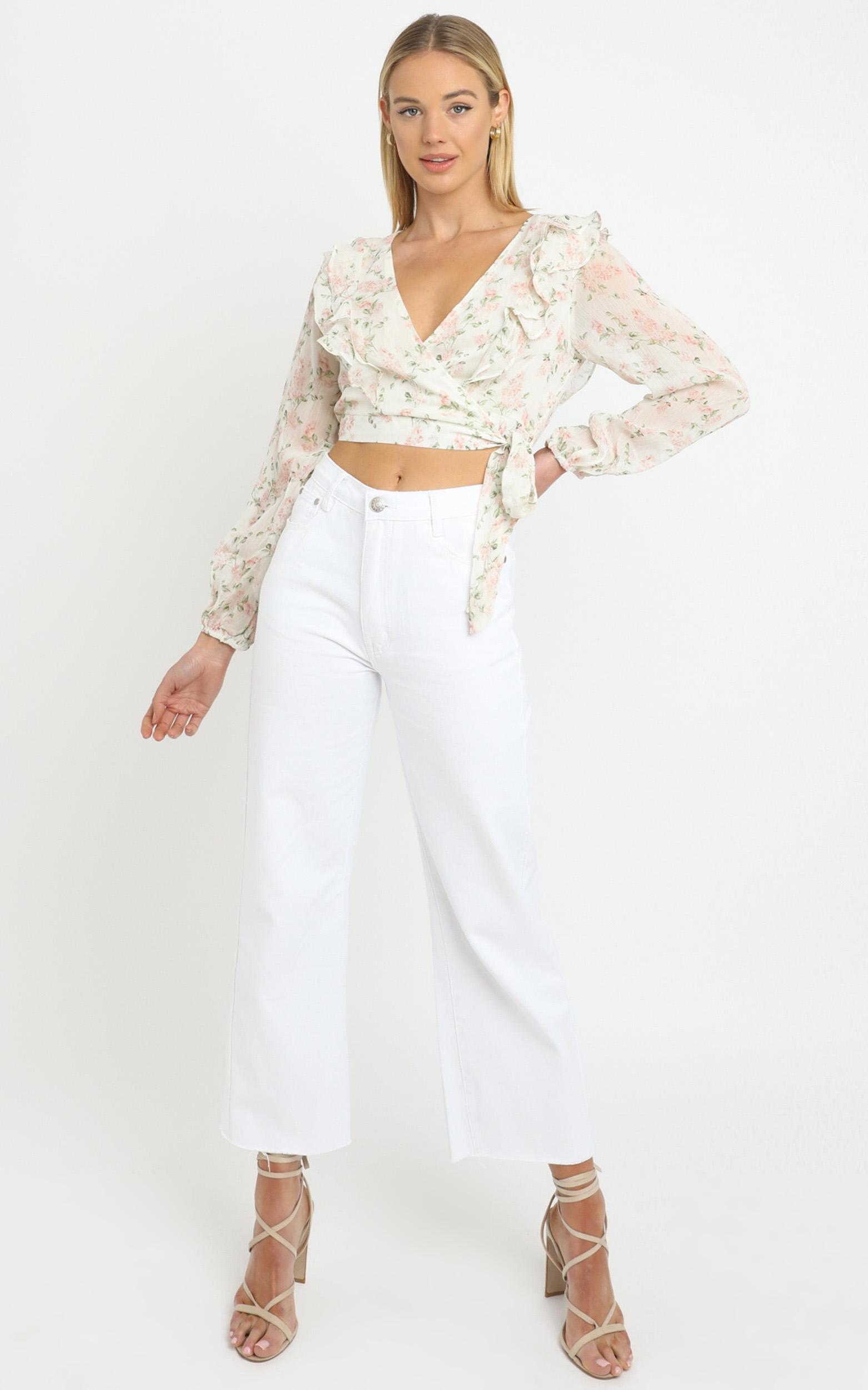 Desde Top in White Floral - 14 (XL), White, hi-res image number null