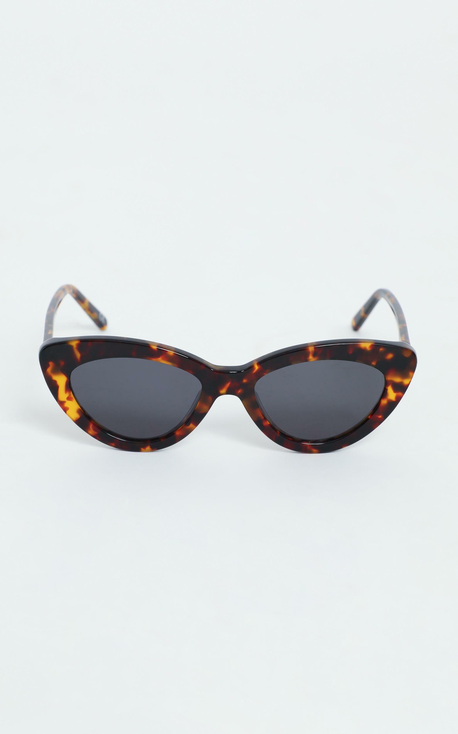 Luv Lou - The Harley Sunglasses in Tort, NEU4, hi-res image number null